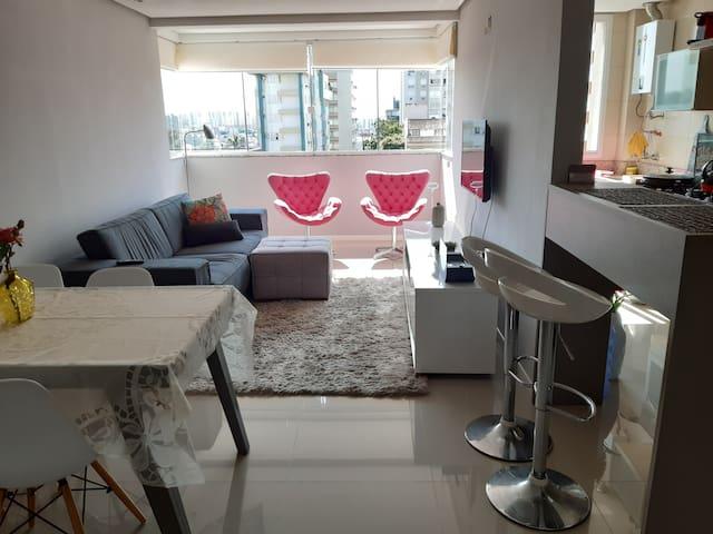 Excelente apartamento, 1 dormitório decorado.