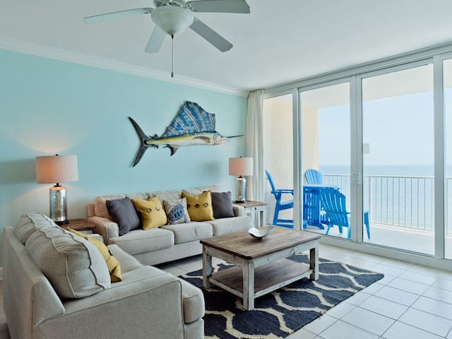 Beachfront Condo in Gulf Shores. Private Balcony with Incredible Views. Beachfront Pool, Onsite Fitness Center