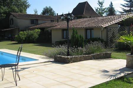 La Vigne - Dordogne - Sleeps 2 - Hus