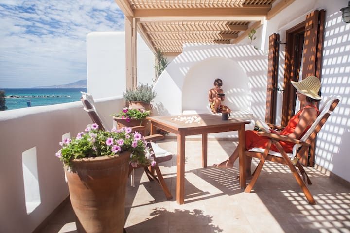 Elegant flat by the beach - Agia Anna - Byt