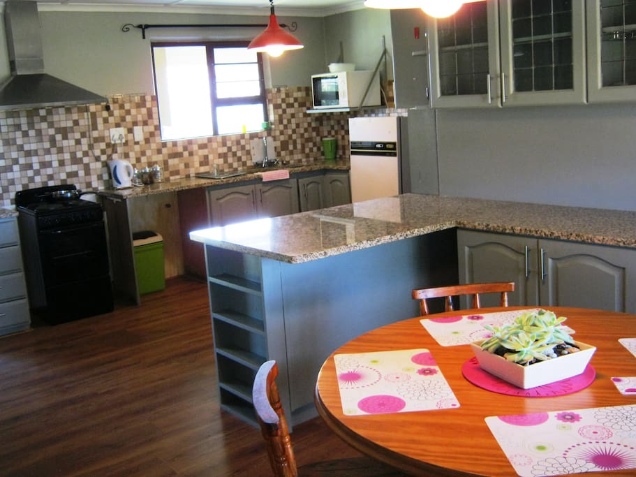 Fully outfitted kitchen with breakfast nook