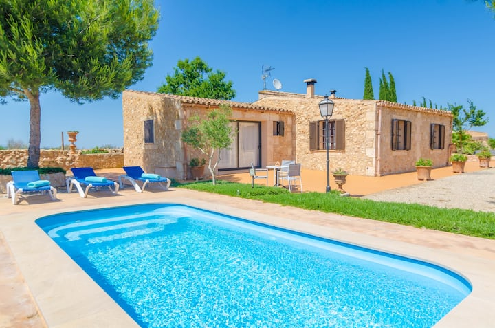 BANC DOLI - Spectacular Majorcan country house with private pool and located in a quiet area. Free WiFi