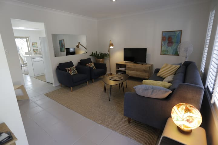 Spacious Townhouse in Red Hill
