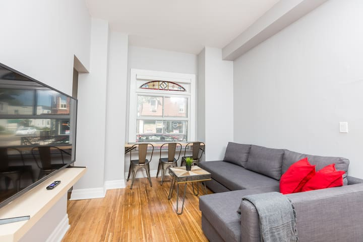 **Annex Loft Style 2 Bedroom + Parking + Sofabed**