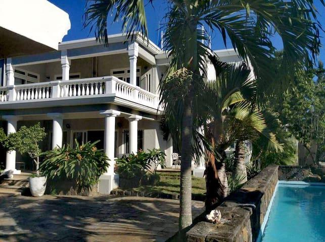 Luxury Villa with Car offered 5 mins walk to beach