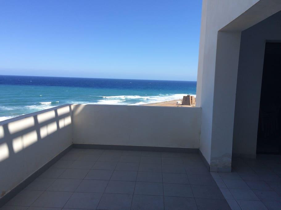 Vista al mar y Torre Macenas
