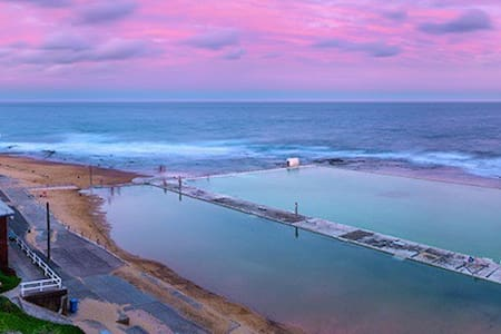 Merewether Beach Break -Bedroom 1&2 - Hus