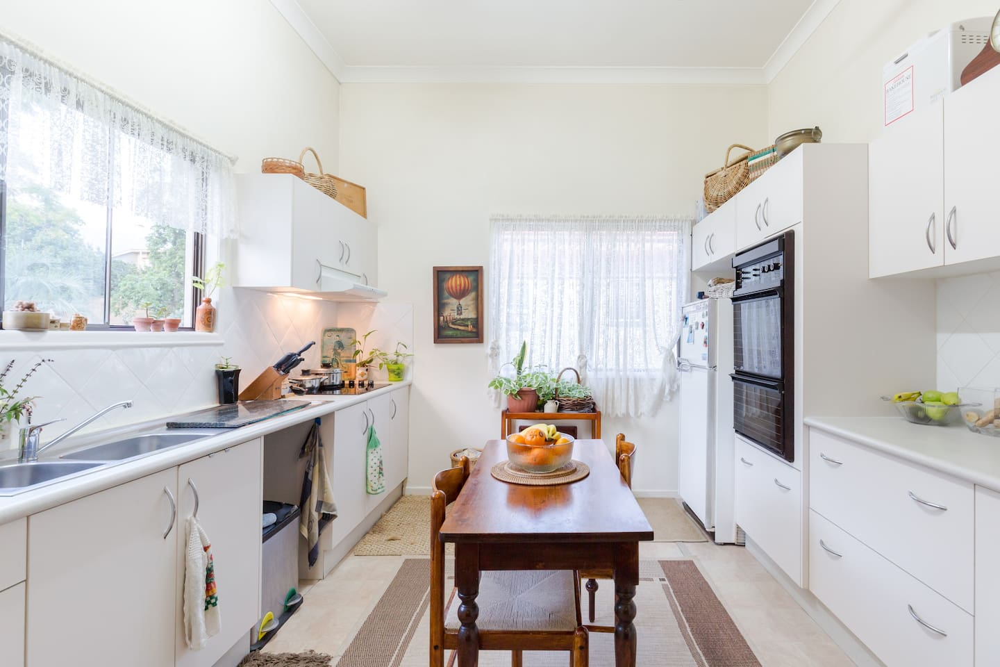 We love this friendly eat in spacious  kitchen ..so much light ..looks over back garden