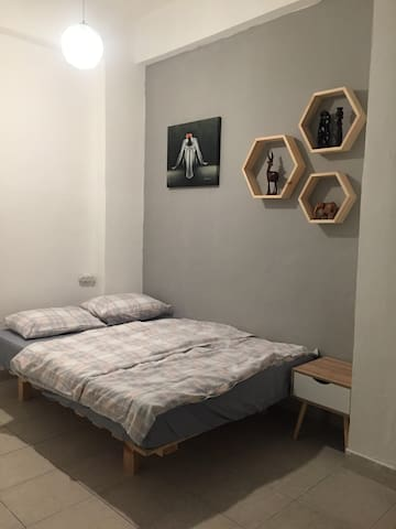 !private sweet room in the center of Tel Aviv