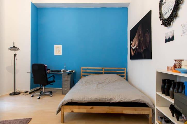Stylish One Room Apartment in Berlin Schöneberg