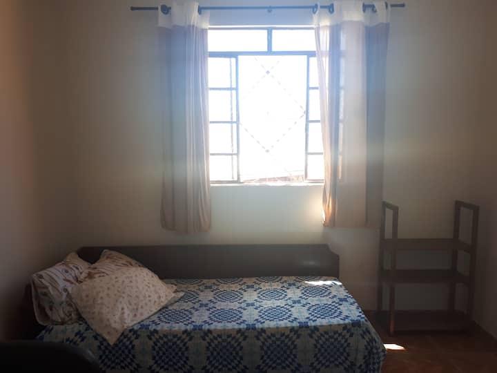 Alugo quarto BH