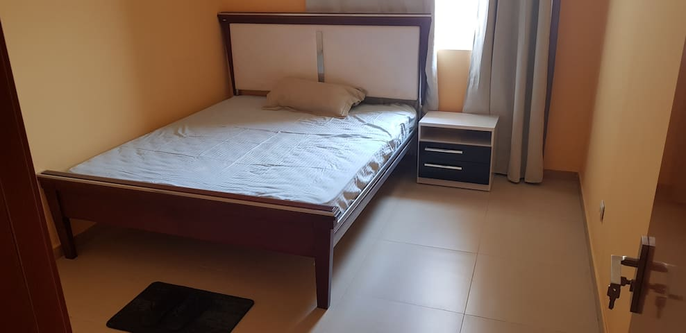 Room in cozy and clean apartment - Zango