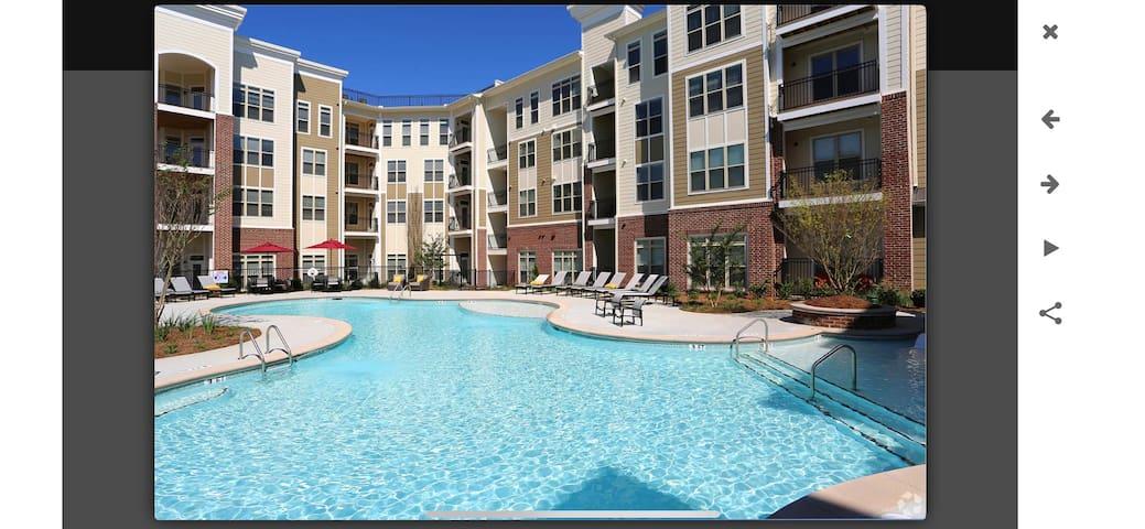 Luxury private one bedroom suite/ Battery Atlanta