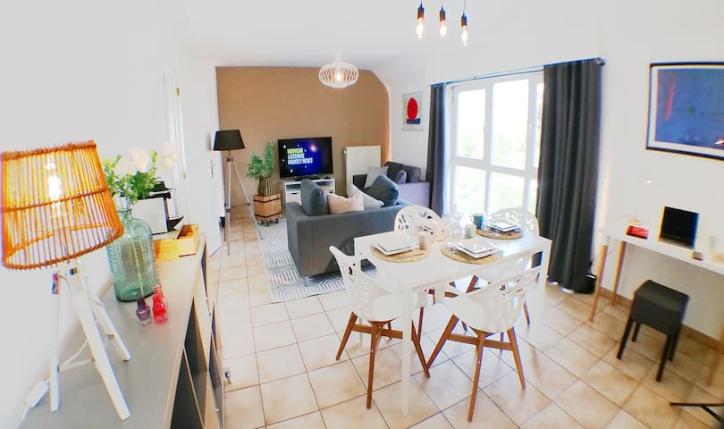 "Businest La Louvière-Mons ""the flat that fits"""
