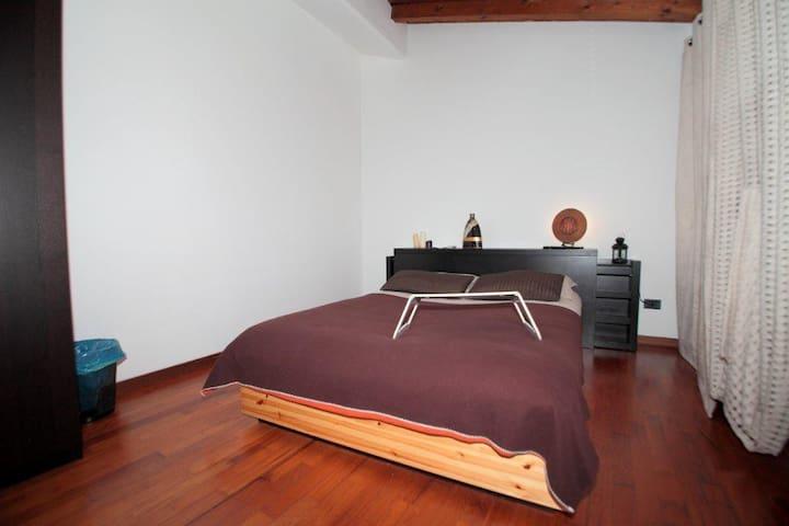 VILLA CON PISCINA - Martinengo - Huis