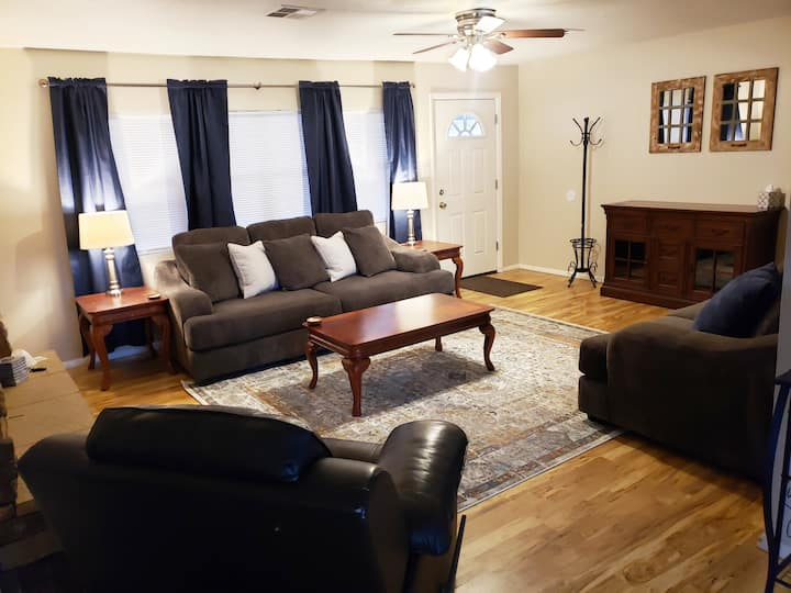 Country Charmer close to Zions National Park!
