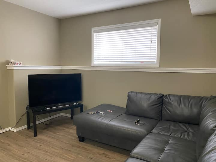 Lower 2 bdrm executive accommodations