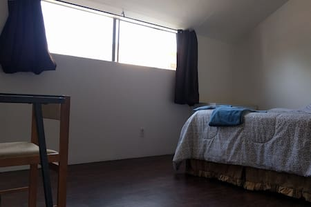 Huge Room in Santa Monica/Venice LA