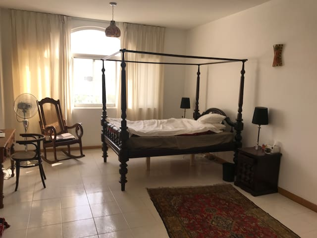 Spacious room in comfortable villa, older part DXB