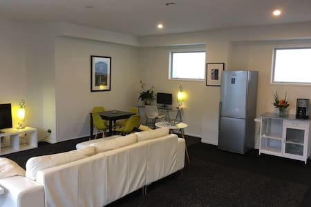 Immaculate Orewa Retreat - Orewa - 独立屋