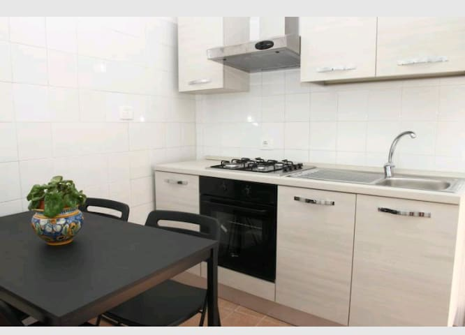Cosy and New Renovated Apartment - Comiso - Flat