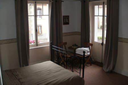 Chambres d'hotes L'Eglise - Bleurville
