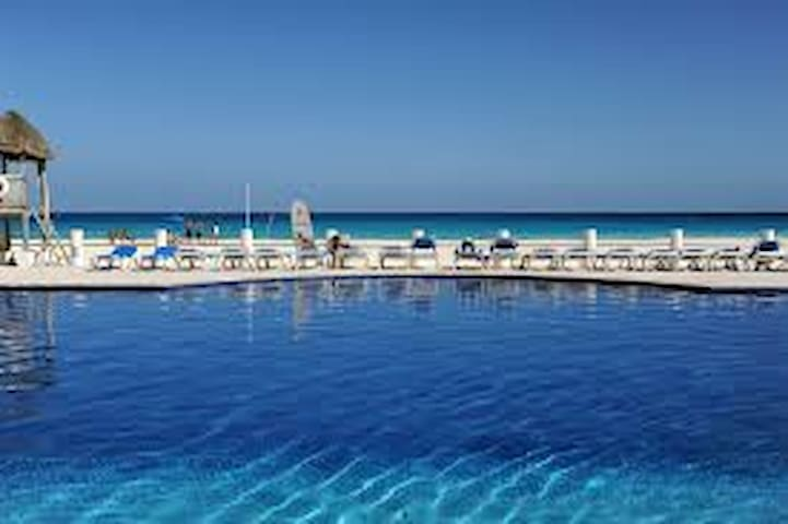 Villas marlin the best location apartments for rent for Villas marlin cancun