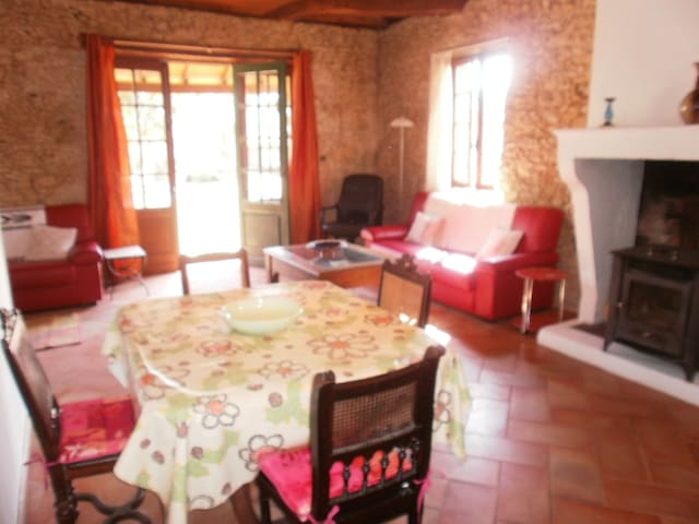 Characterful 2 bedroom stone cottage w/POOL/WIFI - Nogaro - House