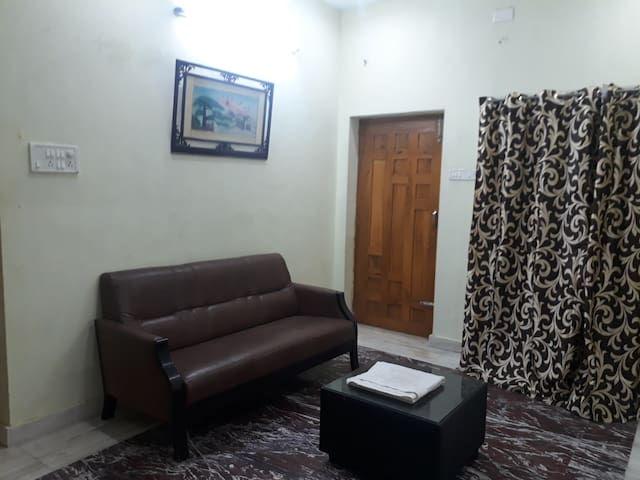 Vamsi Villa - 1 BHK-Service appartment / Home stay