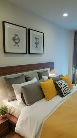 5-star 1-bed brand-new 5mins to Night Bazaar