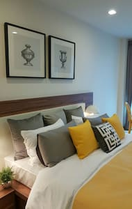 5-star 1-bed brand-new 5mins to Night Bazaar - Lejlighed