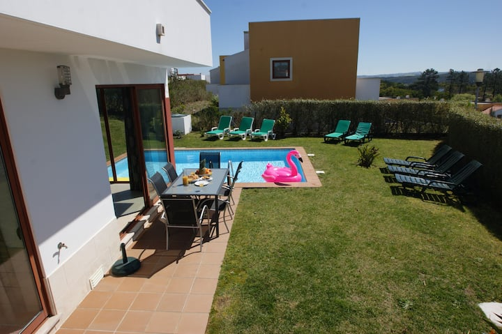Stunning villa with pool. Walk to beach and golf