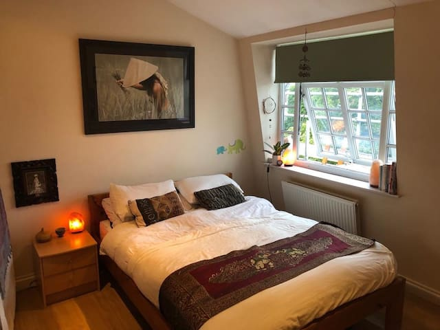 A cosy home from home in Camden