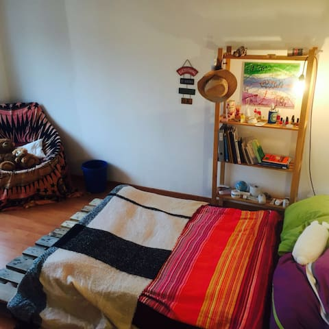 Charming cute room 5 minutes from Pilatus - Kriens - Pis