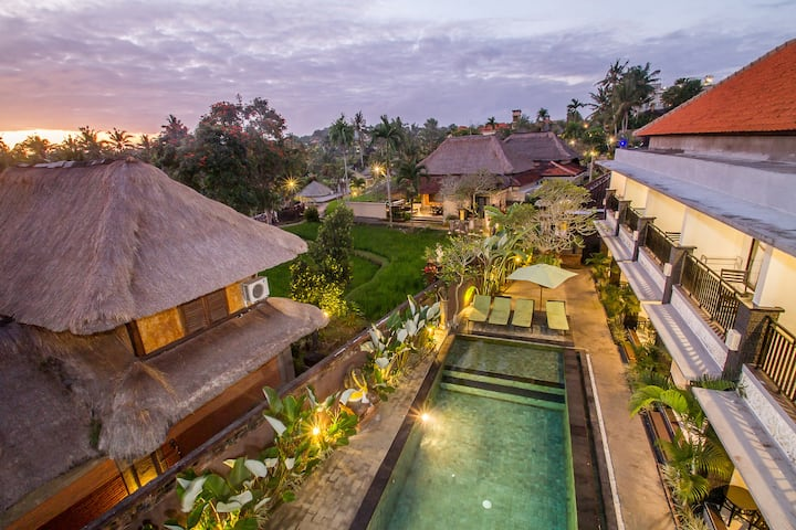 Classy Room with Public Pool at Ubud & WIFI