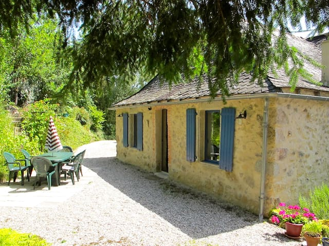 Beautiful and comfortable stone house near Najac - La Fouillade - Huis