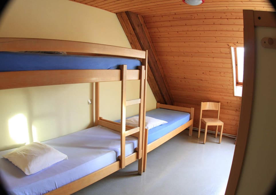 Chambre 4 personnes en auberge chambres d 39 h tes louer for Chambre agriculture champagne ardenne