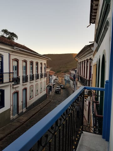 Vista da suite,  para rua Direita e rua Paranå.