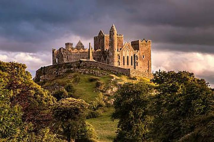 Cashel, Irelands ancient South East awaits you!