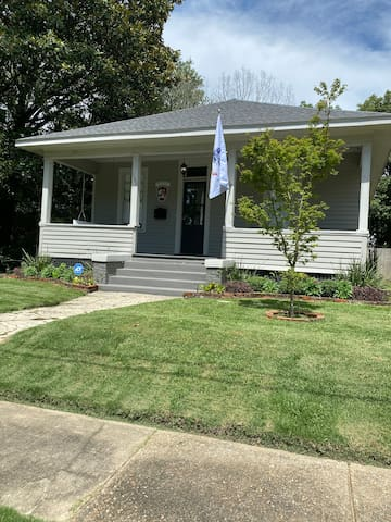 Convenient Midtown 3 BR/2 BA close to downtown/I10