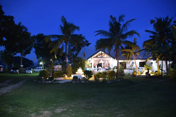 La Vista del Rio (Farmhouse & Event Venue)