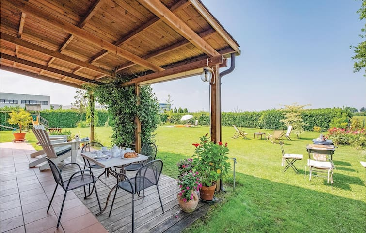 Semi-Detached with 4 bedrooms on 150m² in S. B. di Callalta TV