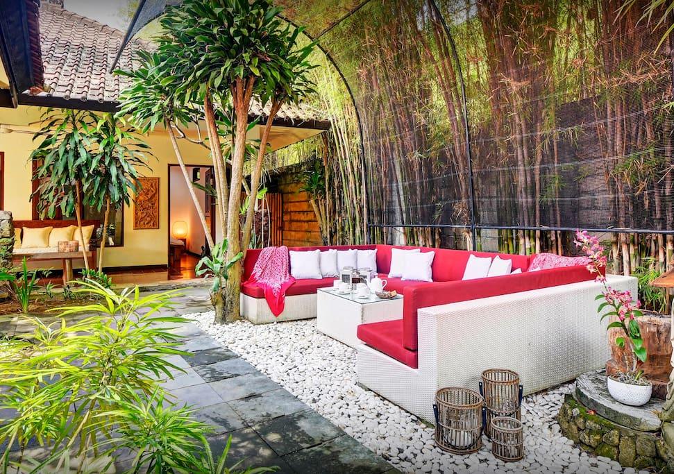 Villa bali pour 8 piscine cuisine ouverte sur le for Cuisine ouverte villa