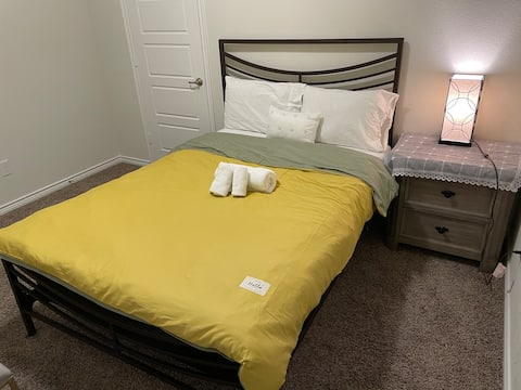 Single private room near byTWU(disc on long term)