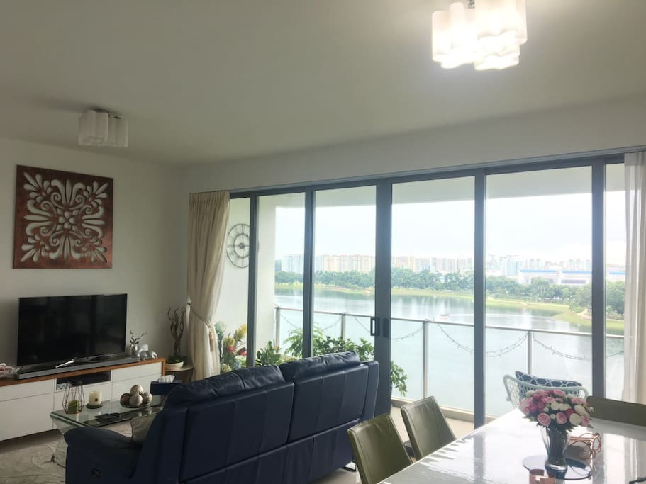 Lounge and dining area, overlooking Bedok Reservoir