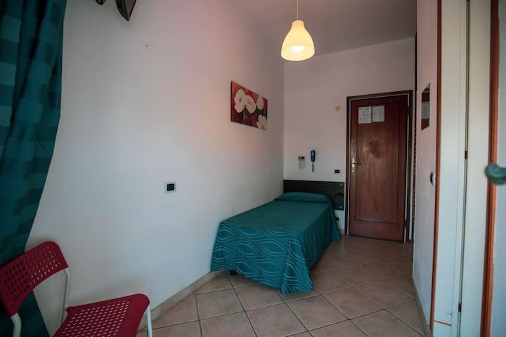 Hotel Burlamacco Room 8 singola con finestra