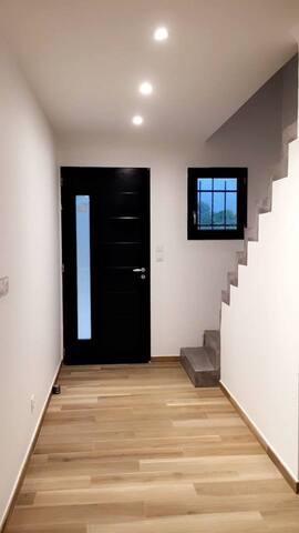 Entrée + Escalier étage