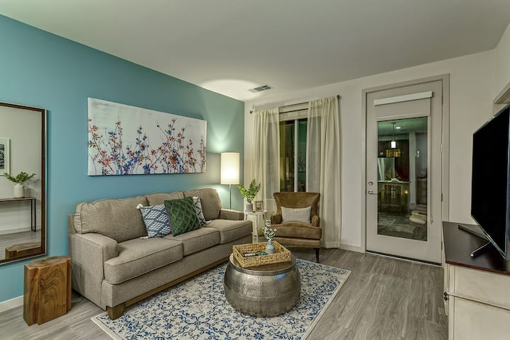 Professionally maintained apt | 2BR in Denver