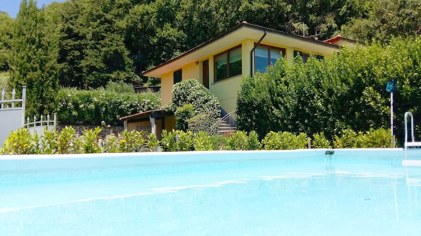 House Oleandro on tuscan hills with stunning view - Loppeglia - Casa