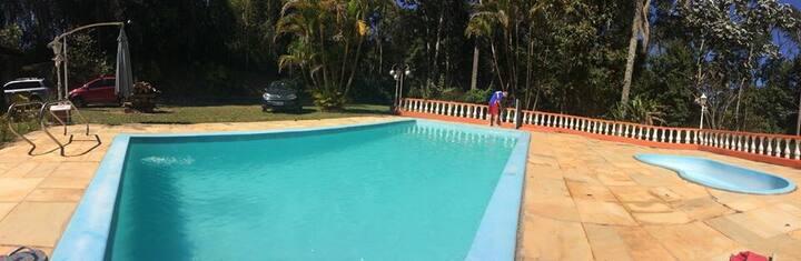 Sítio Encantado com piscina em Mairiporã